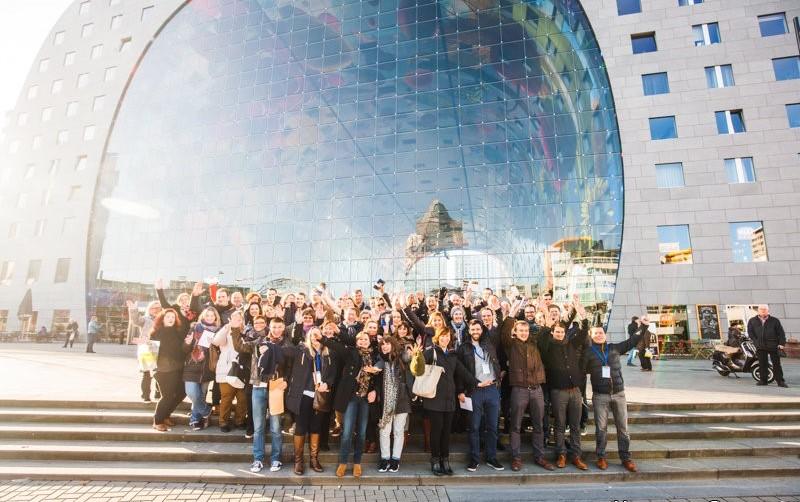 foto van team tijdens evenement rotterdam business events