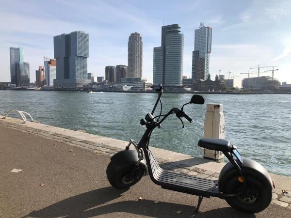 Foto Van E-scooter Games Tijdens Teamuitje