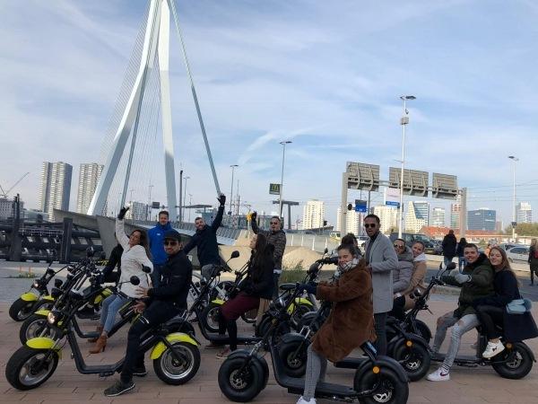 Groep Deelnemers Bedrijfsuitje E-scooter Citygame