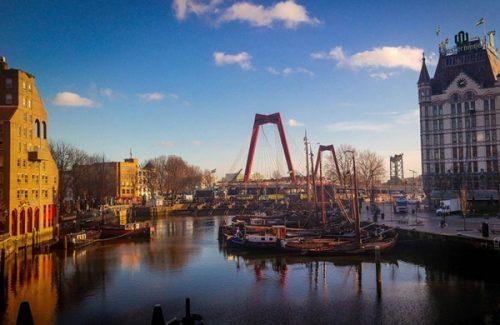 Foto Bedrijfsuitjes Borrelen In Rotterdam Op De Maas